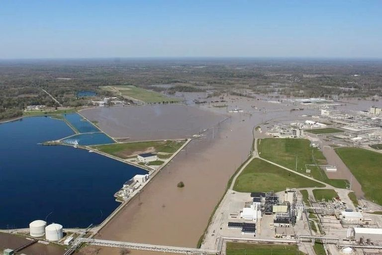 Dow: Flooding at Midland, Michigan site 'does not create any threat'