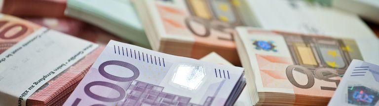 BASF issues EUR2 bn bonds